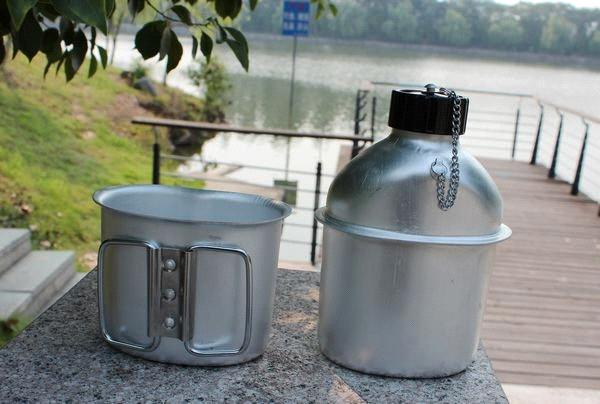 china_1l_army_water_bottles_aluminum_canteen_for_military_1l_water_kettle_with_lunch_box201212141709389